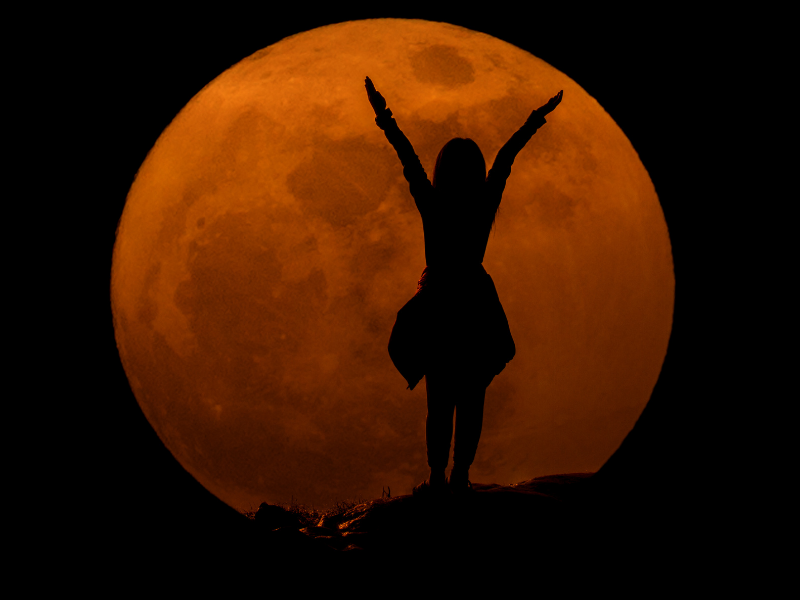 the power of the moon over love spells