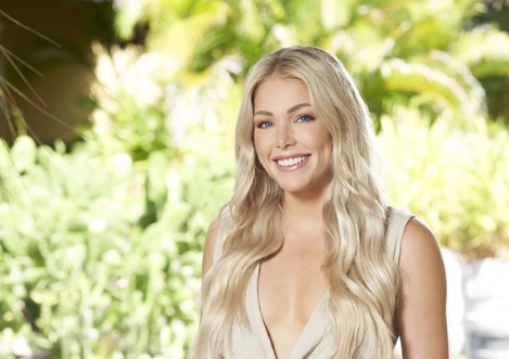 who is kelsey weir from bachelor in paradise 2021
